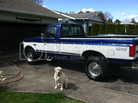 Pics of royal blue/blue/white crew cab? - Page 3