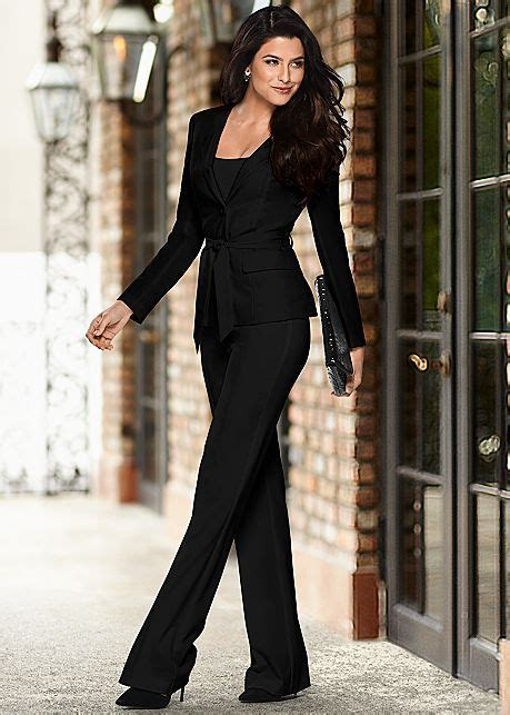 Belted Pant Suit Set - VENUS - Off White size 8   Funeral