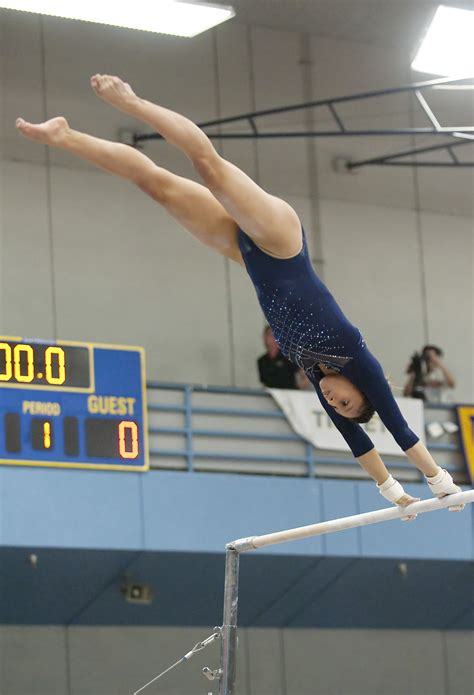 Gymnastics sweeps Cal in all events on its first road trip