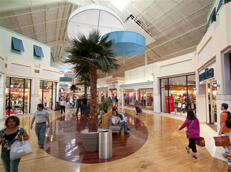 The 10 biggest malls in the USA : Page 2 of 4 : Luxurylaunches
