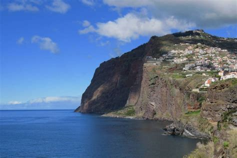 Sea Cliff And Madeira Wine Taste In 4X4 | experitour