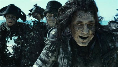 Real pirates hold new Pirates of the Caribbean film