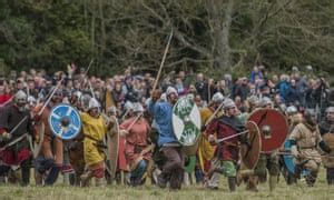 Battle of Hastings re-enacted by 1,000 soldiers for 950th