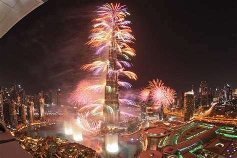 New Year's Eve Fireworks and Fountain show at Burj Khalifa